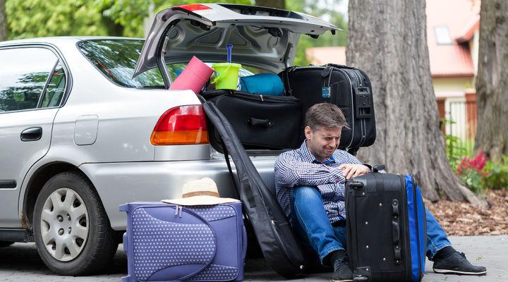 Een auto vol met bagage