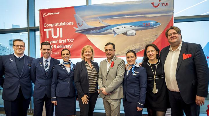 Delegatie van TUI bij oplevering Boeing 737 MAX