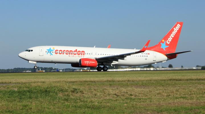 Een vliegtuig van Corendon