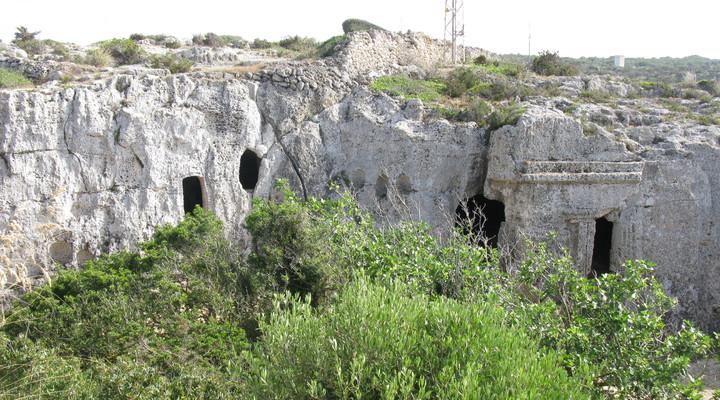 Grotten voor de doden