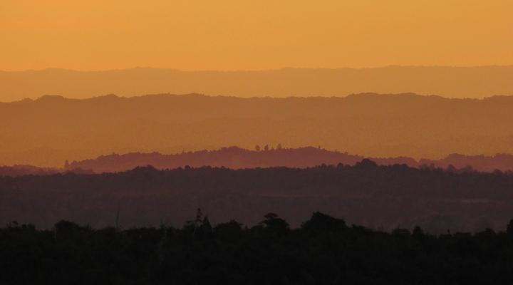 Zonsondergang in Mount Rapehua