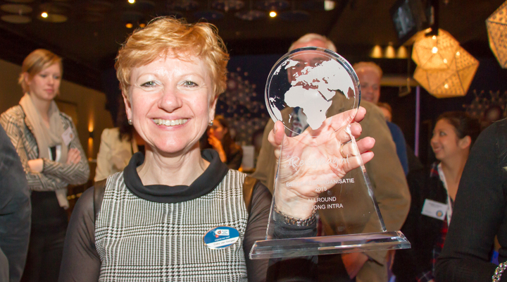 Coby van Dongen met de Reisgraag Award