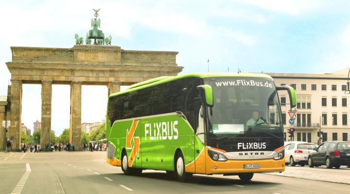 Een FlixBus in Parijs